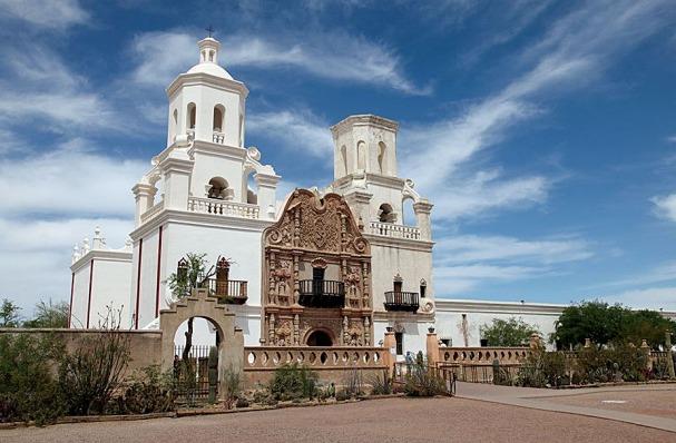 MISSION SAN XAVIER DEL BAC à Tucson lors d'un voyage aux Etats-Unis en famille
