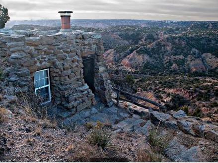 Cabin du Palo Duro Canyon State Park au Texas vu pendant un voyage aux USA en famille