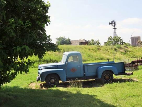 pickup vintage à voir au National Ranching Heritage Center à Lubbock lors d'un voyage aux Etats-Unis en famille