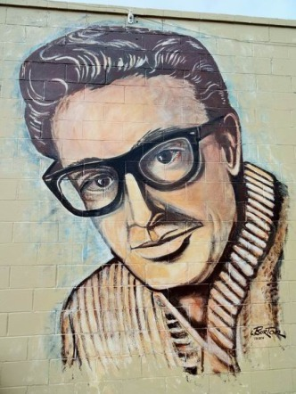 Buddy Holly Wall à voir à Lubbock au cours d'un voyage aux USA en famille