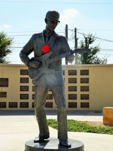 Statue de Buddy Holly à Lubbock à voir au cours d'un voyage en Amérique en famille