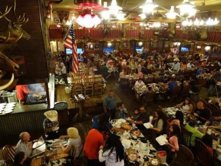 Salle du Big Texan au Texas à voir lors d'un voyage aux USA en famille