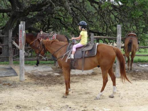 6 ans à cheval au Texas au cours d'un voyage aux USA en famille