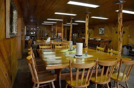 salle à manger du Silver Spur ranch pour diner pendant un voyage aux Etats-Unis en famille