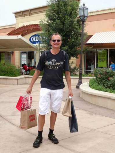 Shopping au texas à payer au cours d'un voyage en Amérique en famille
