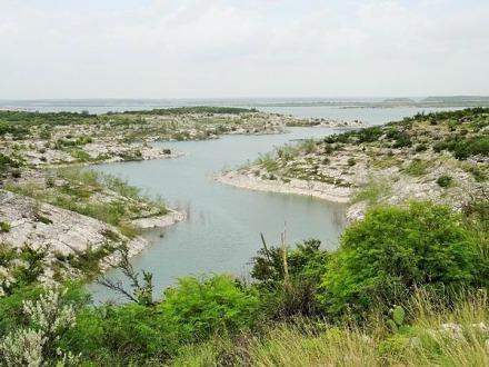 balade sur le lac Amistad à Del Rio au Texas lors d'un voyage aux USA en famille