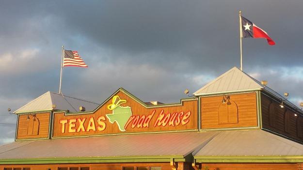 Texas Roadhouse à Conroe Texas pour dîner pendant un voyage aux USA en famille