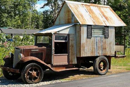 Camping-car vintage lors d'un voyage aux usa en famille