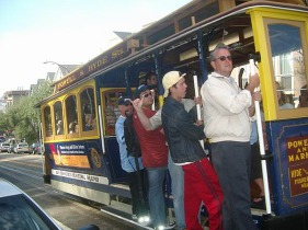 Cable Car à San Francisco en californie aux etats-unis à visiter pendant un voyage aux usa en famille