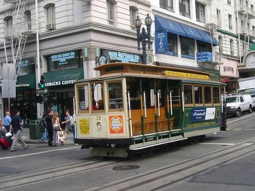 Cable Car à San Francisco en Californie au Etats-Unis à visiter pendant un voyage aux USA en famille