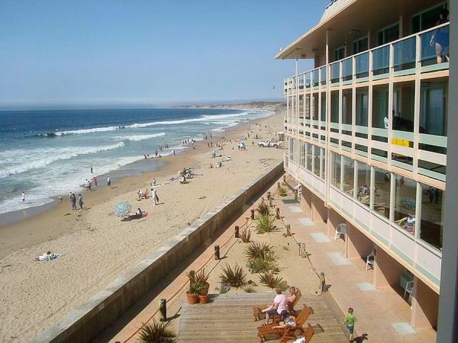 Notre hôtel à Monterey sous le soleil en californie aux USA lors d'un voyage en amérique en famille