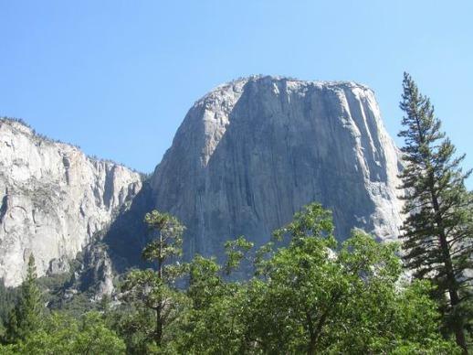 El Capitan à yosemite national park en californie aux etats-unis à voir lors d'un voyage en amérique en famille
