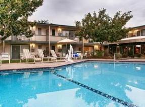 Le Ramada Santa Barbara  en amérique où loger lors d'un voyage aux usa en famille