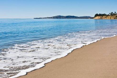 La plage à Santa Barbara en californie aux USA à visiter lors d'un voyage aux Etats-Unis en famille