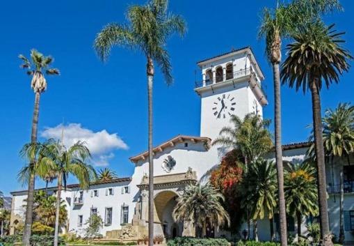 La vieille ville de Santa Barbara en californie aux USA à visiter lors d'un voyage aux Etats-Unis en famille