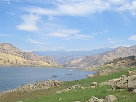 Le lac Kaweah en Californie aux Etats-Unis à découvrir lors d'un voyage aux usa en famille