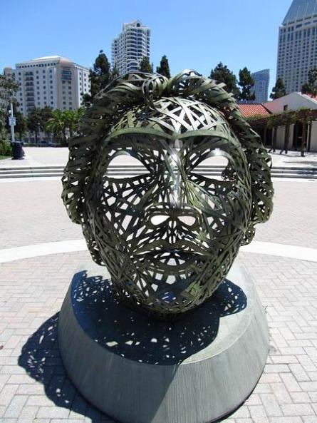 Statue sur le front de mer de san diego en californie en amérique à voir lors d'un voyage aux usa en famille en vacances