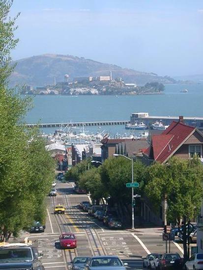 Vue sur Alcatraz à San Francisco en californie aux usa à visiter lors d'un voyage aux etats-unis en famille